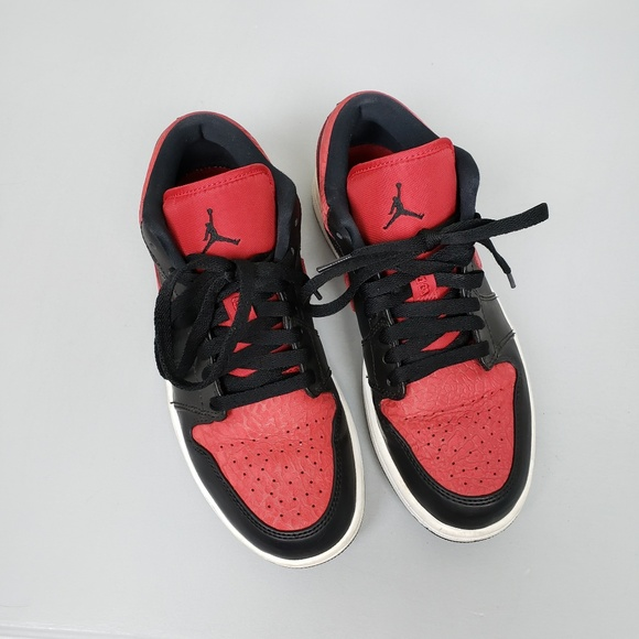 best authentic c91ed 8ede2 Nike Air Jordan 1 low top red black elephant print.  M 5b95b831819e90ff7efac745